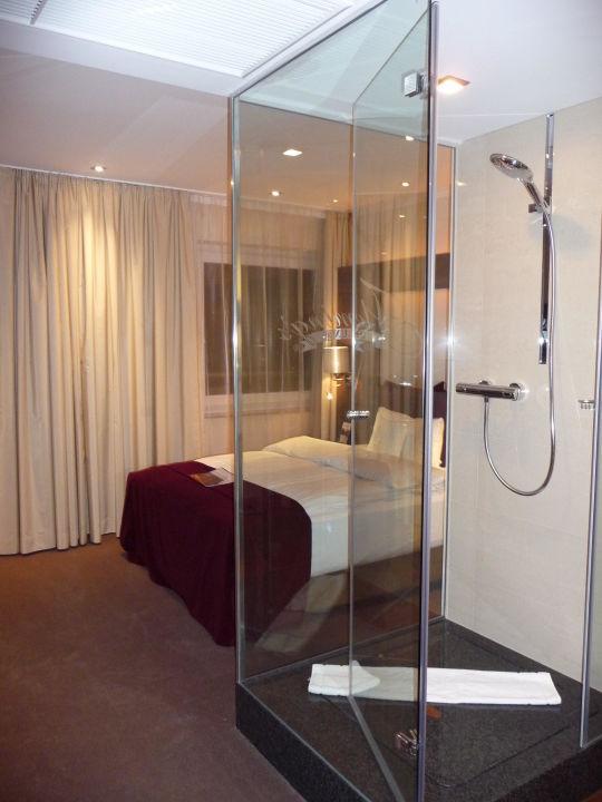 Dusche Mitten Im Raum dusche im zimmer hotel raum und möbeldesign inspiration