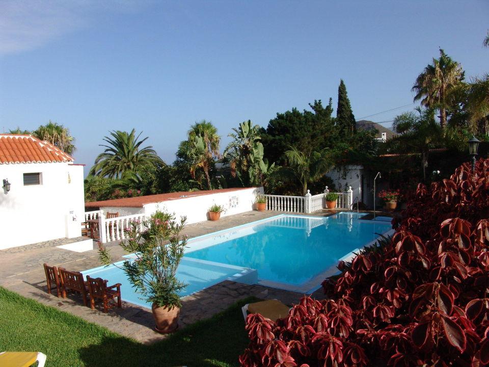 Pool bungalows residencia las norias todoque - Residencia de manila swimming pool ...