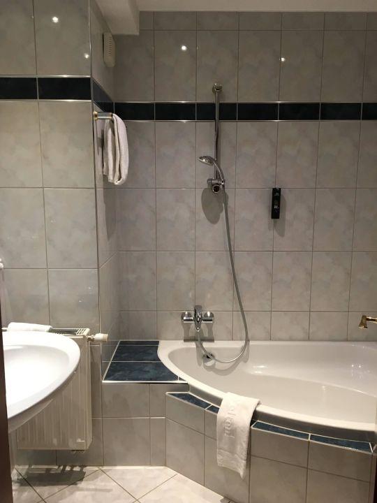 Badezimmer Mit Guter Grosse Bader Park Hotel Sieben Welten Therme