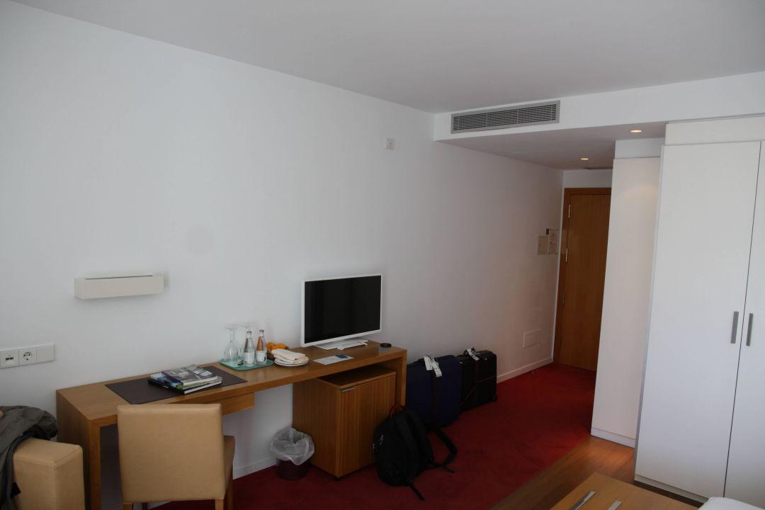 Fernseher Aimia Hotel