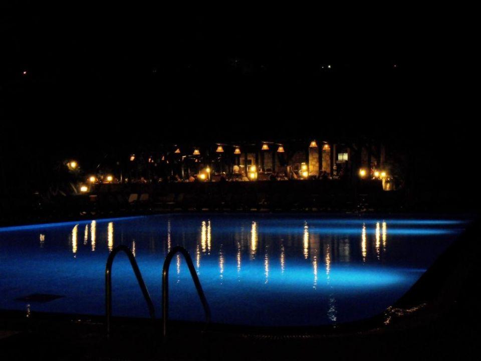 Relaxpool und mediterranes Restaurant Bodrum Imperial Hotel