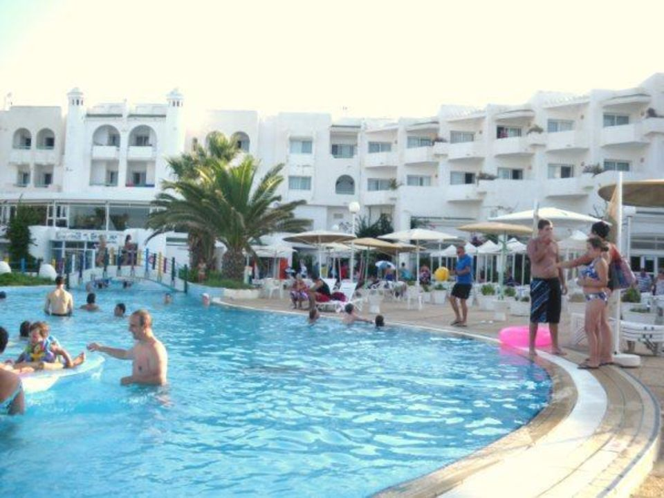 Piscine Hotel El Mouradi Skanes Beach