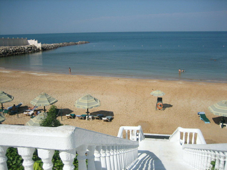 Strand Bin Majid Hotel