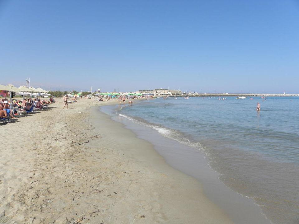 Strand vor dem Hotel Hotel Aquila Porto Rethymnon
