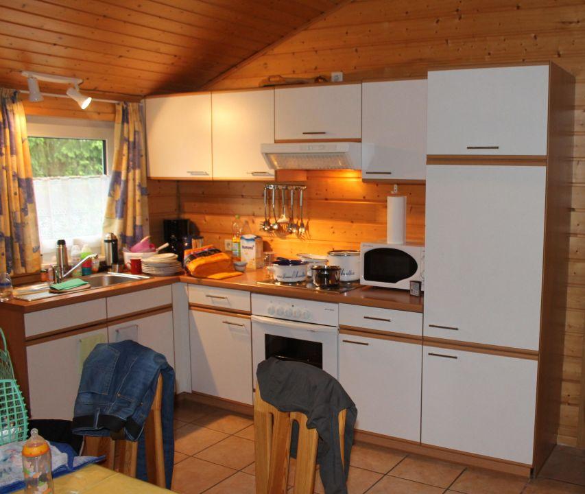 Küche mit Essecke\