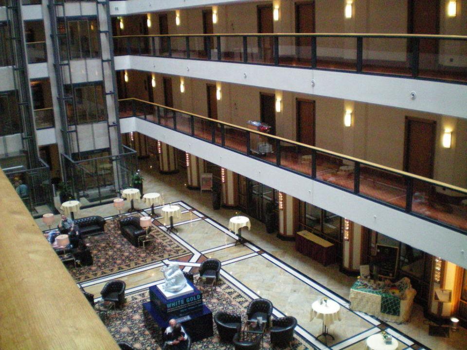 Blick in die Lobby Maritim Hotel Dresden