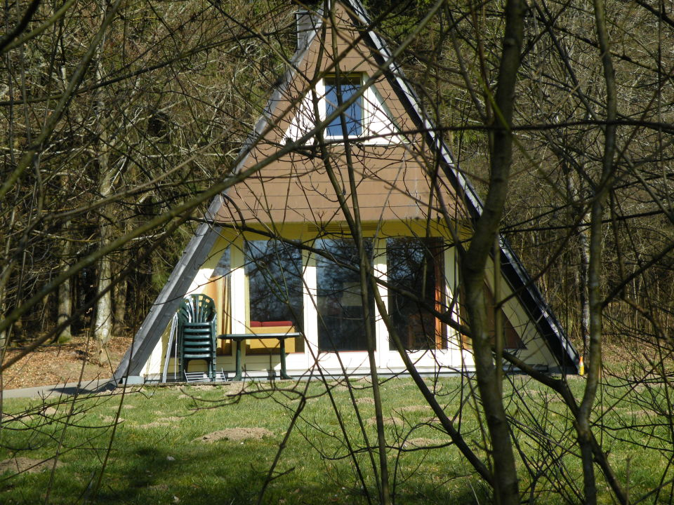 nurdachhaus ferienpark landal hochwald in kell am see. Black Bedroom Furniture Sets. Home Design Ideas