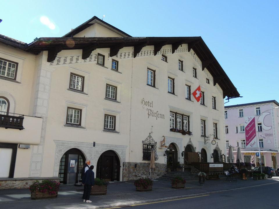 Außen - schöesn Haus - ehr die Ausnahme in Davos Hotel Parsenn