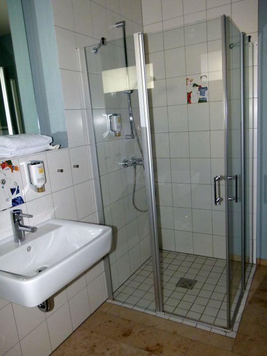 badezimmer im jaich boardinghouse bremerhaven bremerhaven holidaycheck bremen deutschland. Black Bedroom Furniture Sets. Home Design Ideas