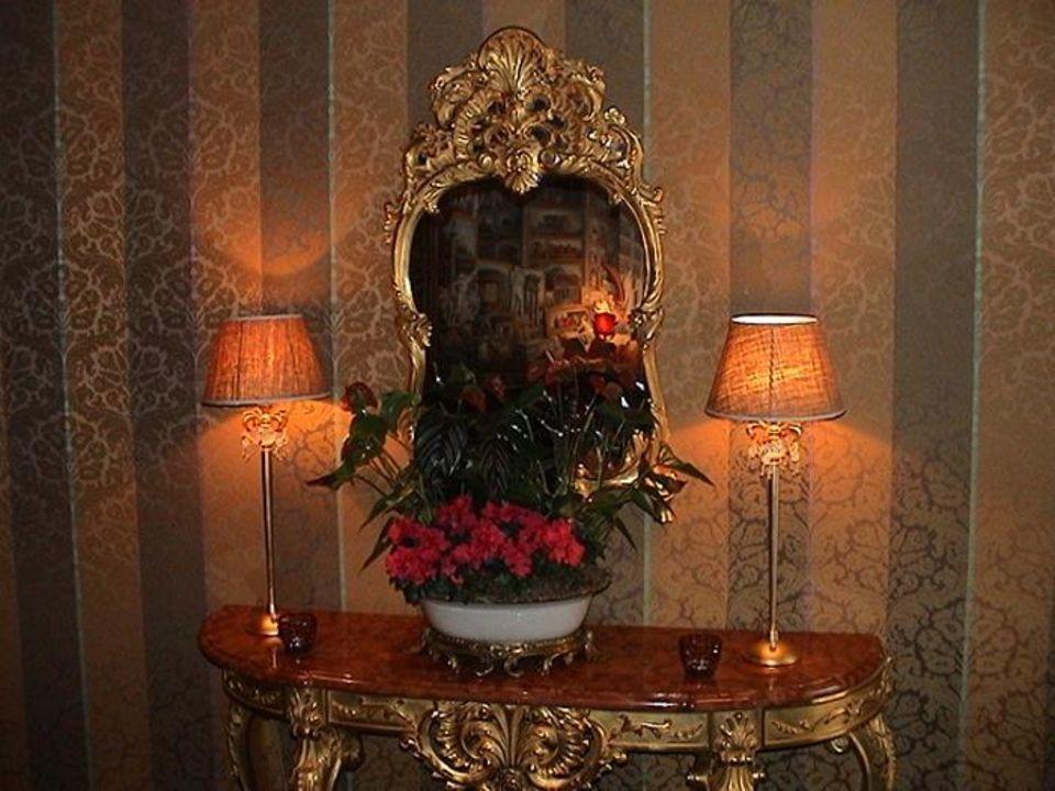 Kleine Lobby 4 Sterne Villa Royale Paris Villa Royale