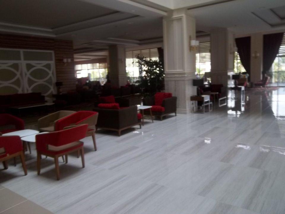 Boden alles aus Marmor immer Sauber.täglich gerein Hotel Royal Garden Select