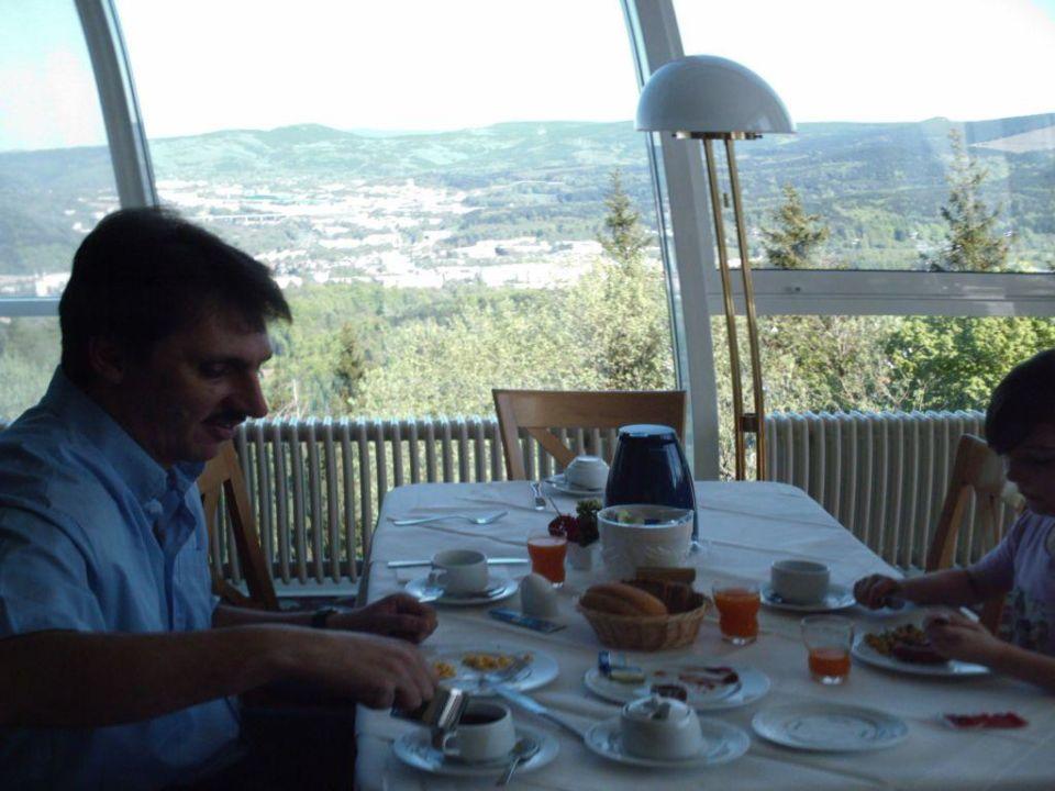 beim Frühstück Ringberg Hotel