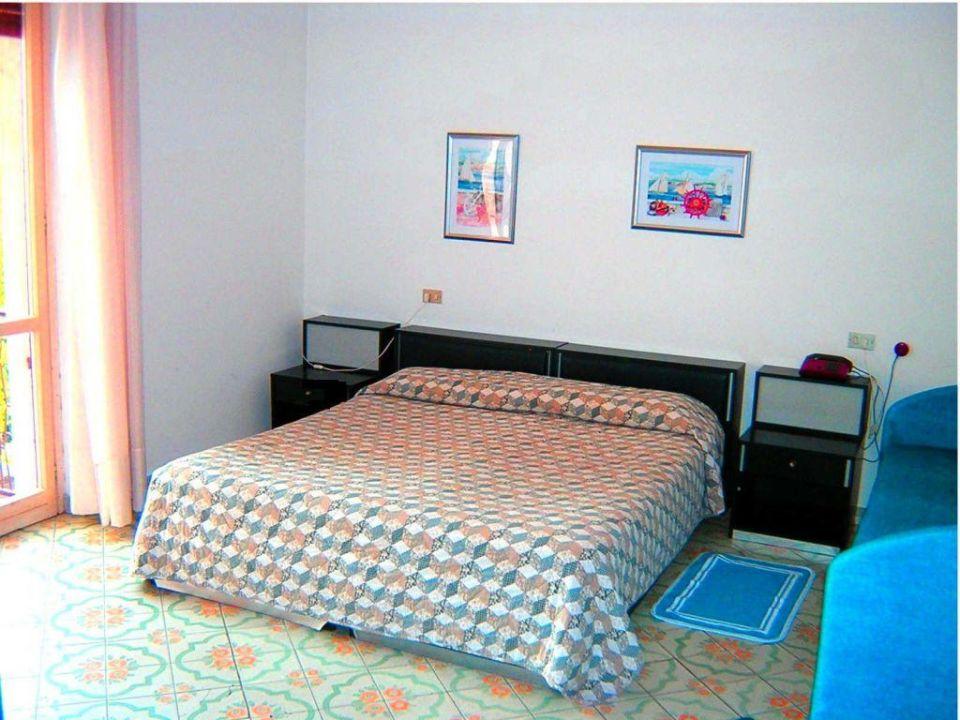 Zimmer Hotel Raffy