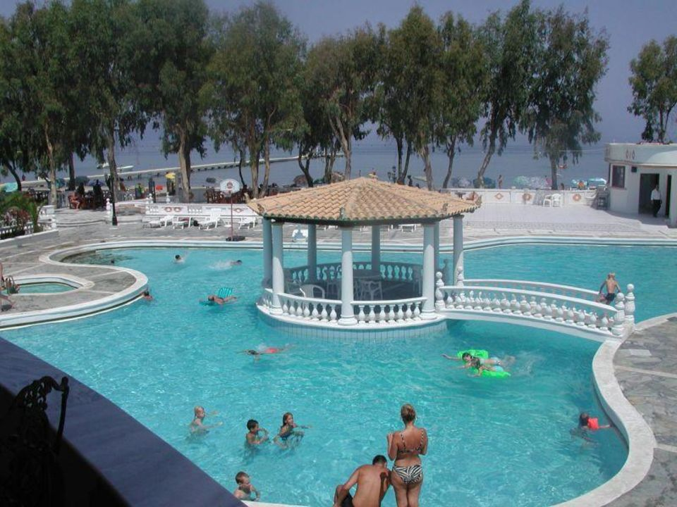 Attika Beach Hotel - Poolbereich Attika Beach Hotel