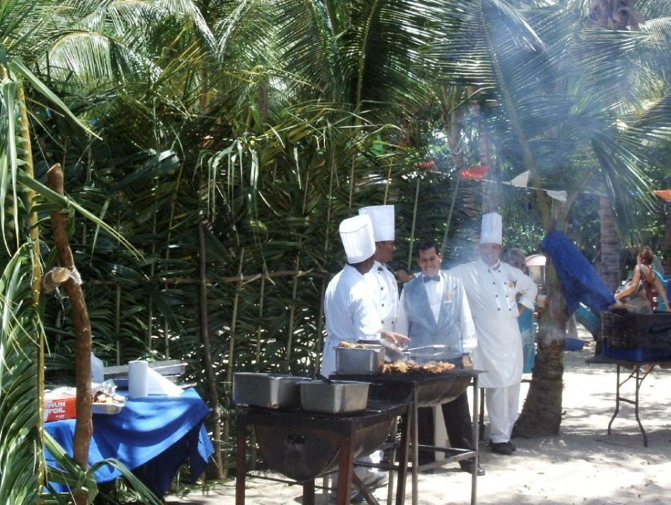 Strandbarbeque Playabachata Resort