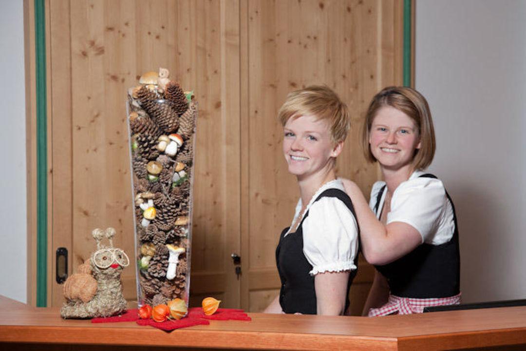 Marlene & Rosmarie Geisler Gasthof Alpenhof