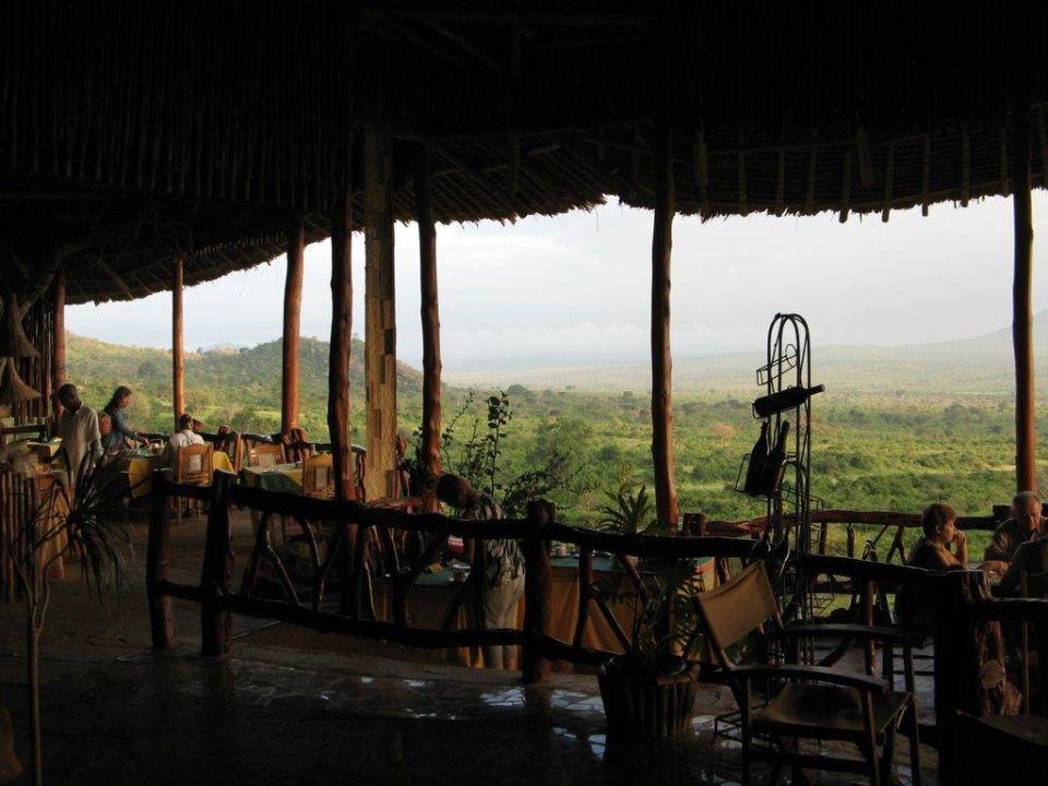 Blick auf das Restaurant und den tollen Ausblick! Rhino Valley Lodge