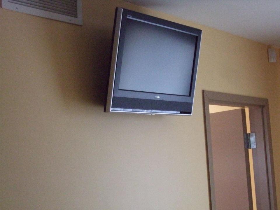 Der Fernseher An Der Wand