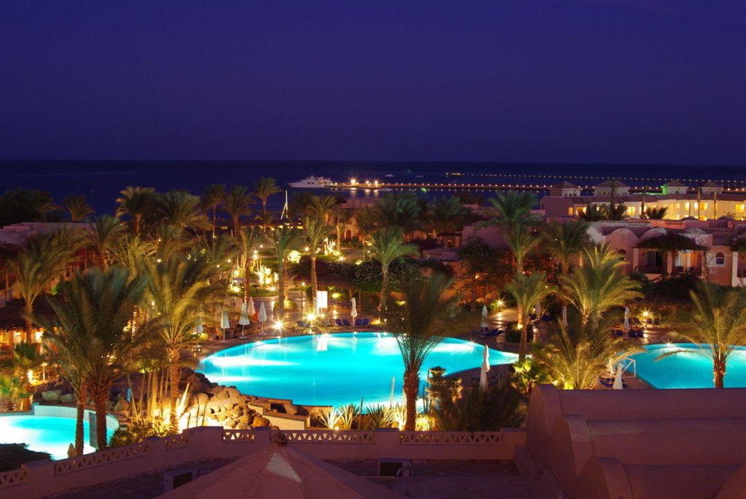 Blick vom Turm auf den Pool Hotel Iberotel Makadi Beach