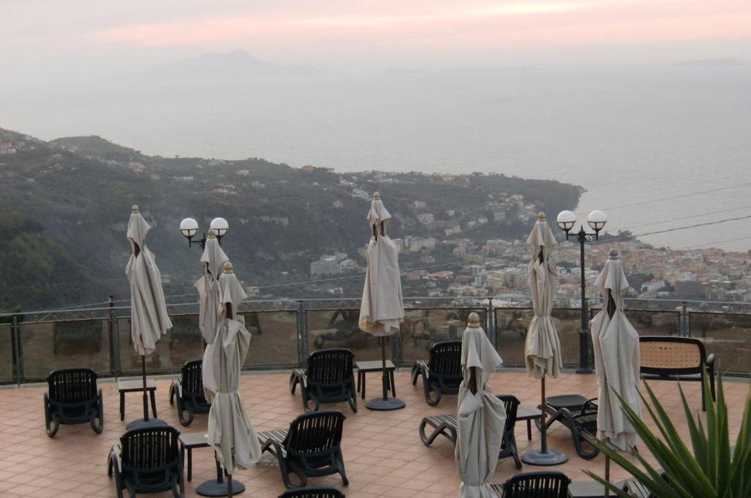 Ausblick über die Sonnenterrasse Hotel Prestige