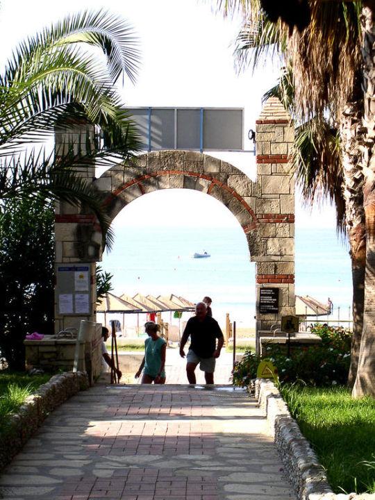 Weg zum Strand Hotel Defne Star