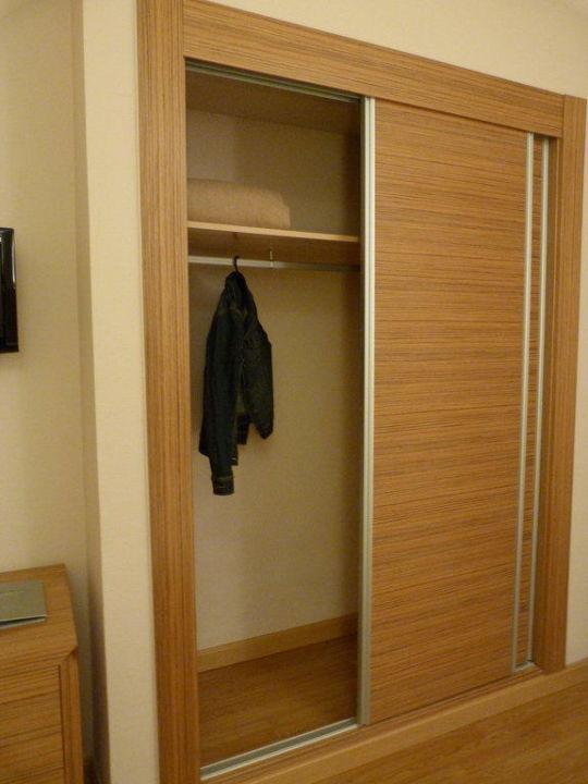 der schrank platzsparend integriert be live tenerife adults only puerto de la cruz. Black Bedroom Furniture Sets. Home Design Ideas