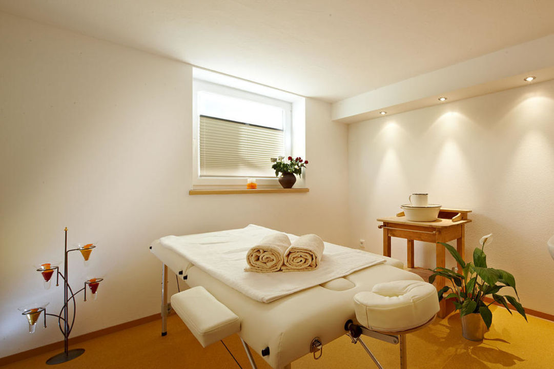 massageraum design. Black Bedroom Furniture Sets. Home Design Ideas