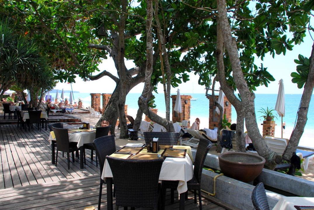 Das Open-Air-Restaurant Hotel Lanta Sand Resort & Spa