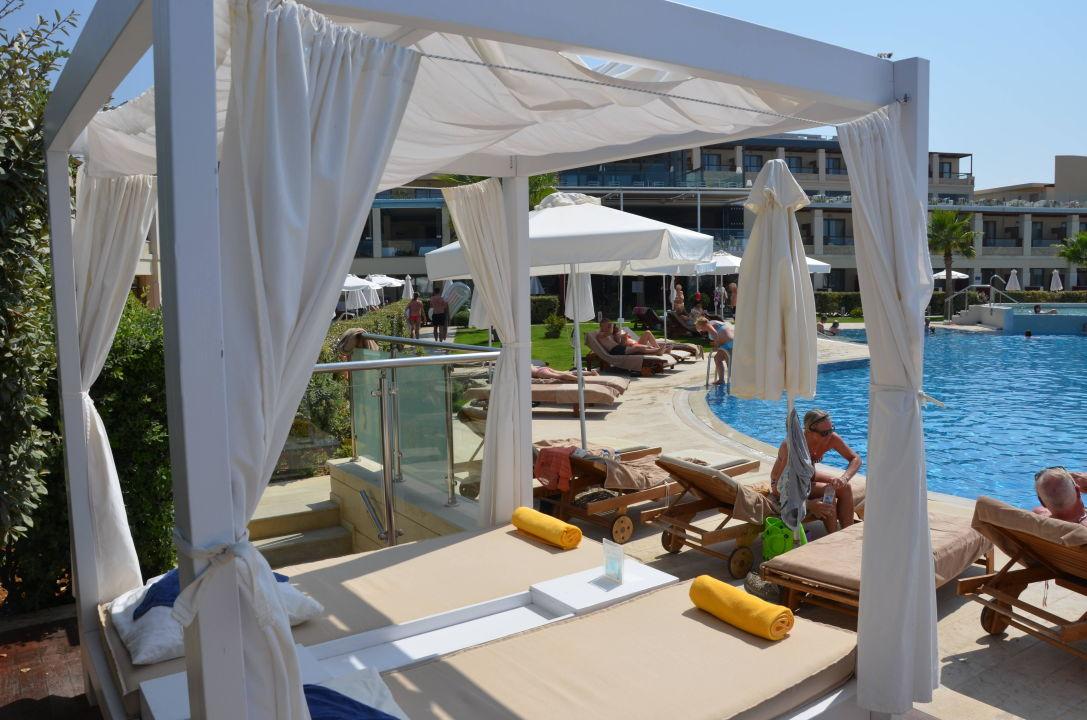 balinesisches bett atlantica kalliston resort spa agioi apostoloi holidaycheck kreta. Black Bedroom Furniture Sets. Home Design Ideas