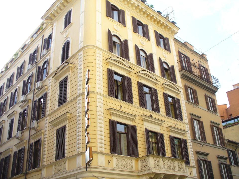 Facade Hotel Raffaello