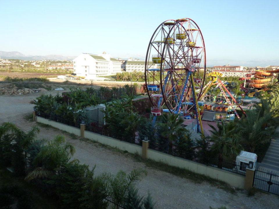 Luna Park Blick vom Zimmer Hotel Royal Dragon