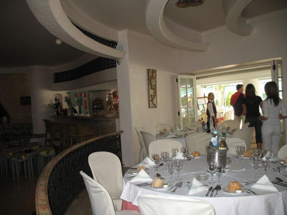 Podczas obiadu Hotel Balaia Golf Village