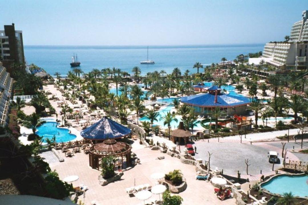 Aparthotel Lago Taurito - Blick auf Hotelpool, Poolbar und M Hotel Paradise Lago Taurito