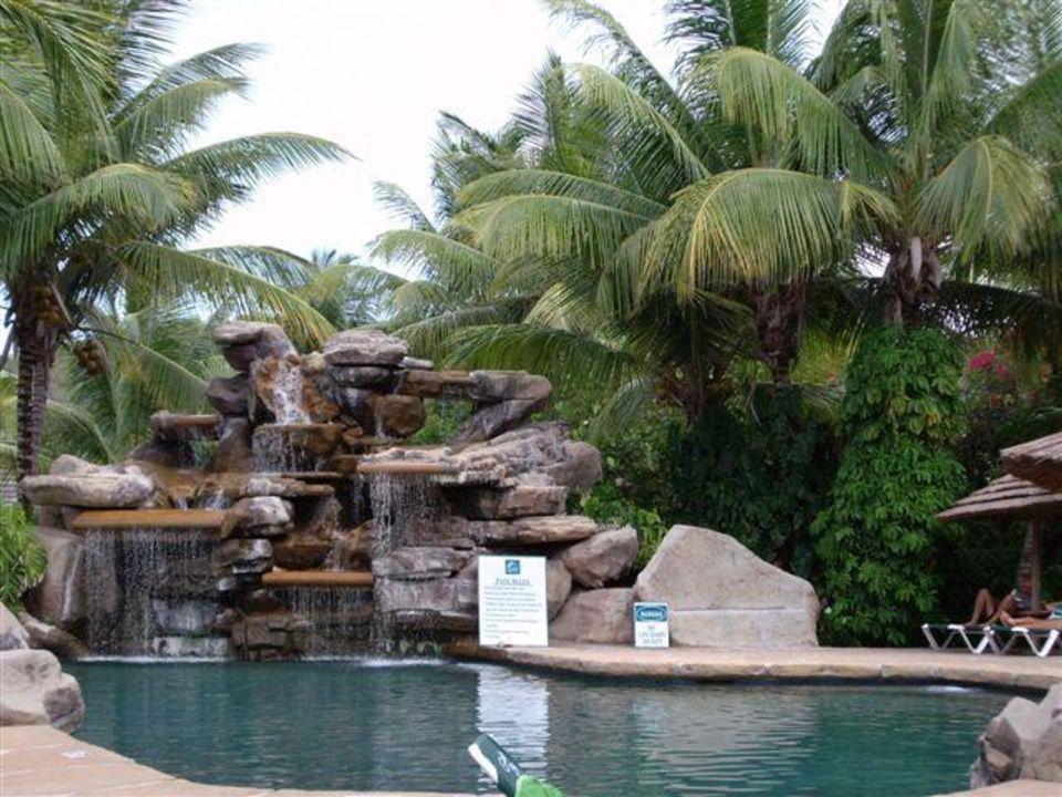 Pool Mit Wasserfall pool mit wasserfall hotel galley bay resort galley bay