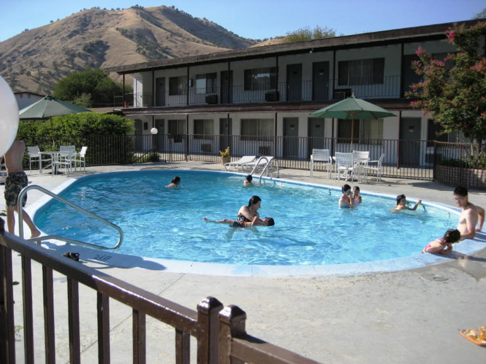 Eingangsschild Western Holiday Lodge