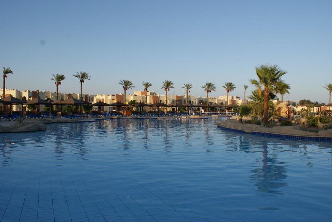 Grosser Pool SUNRISE Royal Makadi Aqua Resort -Select-