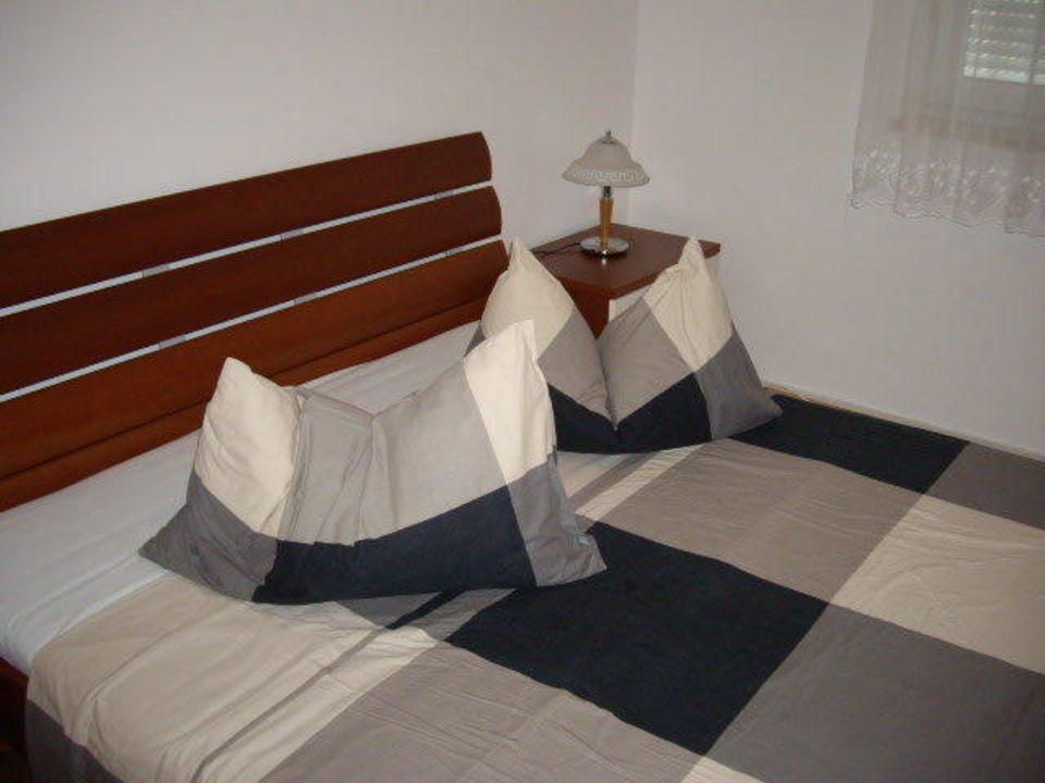 Schlafzimmer mit Doppelbett Apartments Monterol