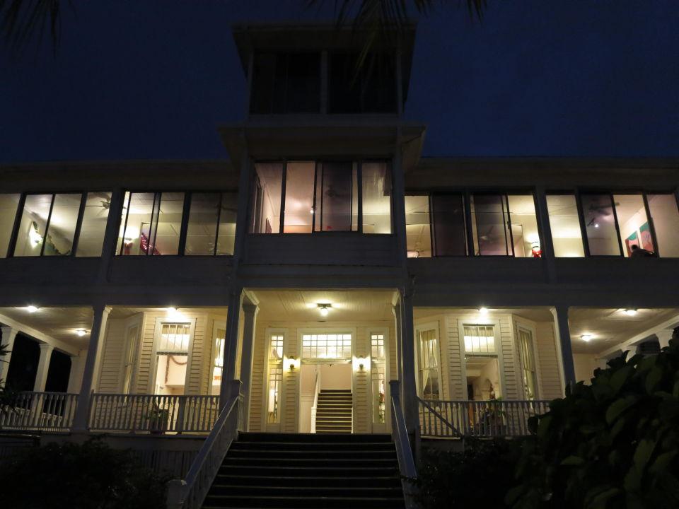 Hotel von aussen Hotel Chateau Caribbean