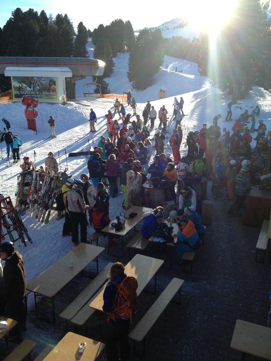Aprés Ski vor dem Hotel Piz Seteur