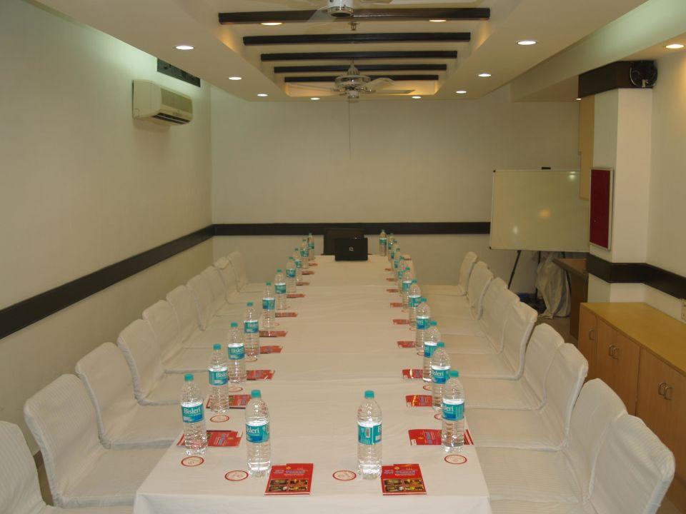 Board  Hotel Sri Nanak Continental