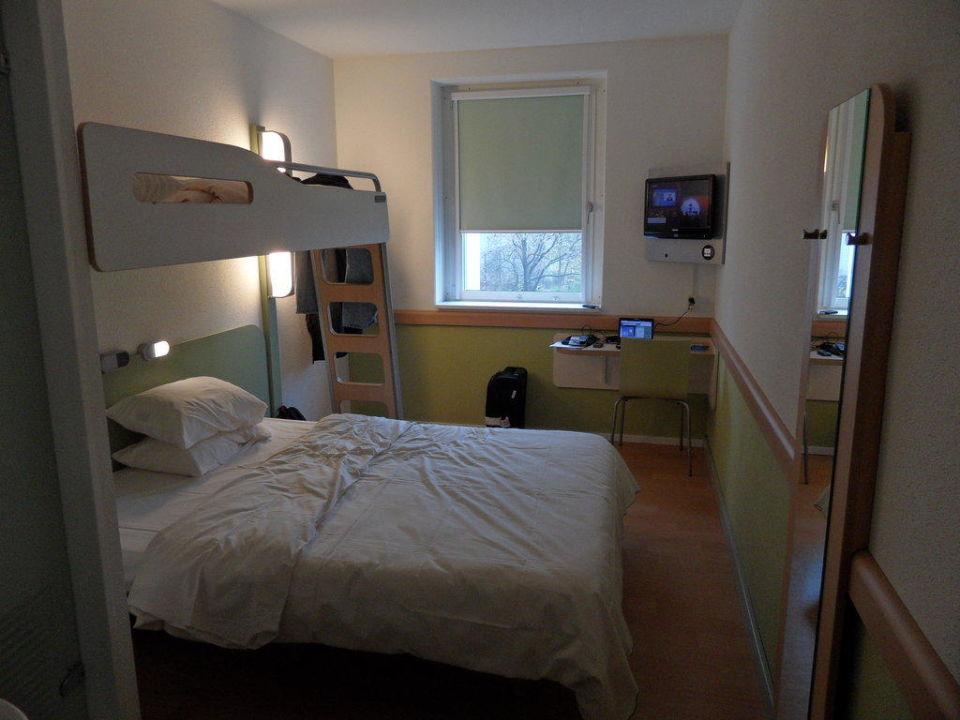 Bild zimmer zu ibis budget hotel berlin alexanderplatz for Zimmer berlin
