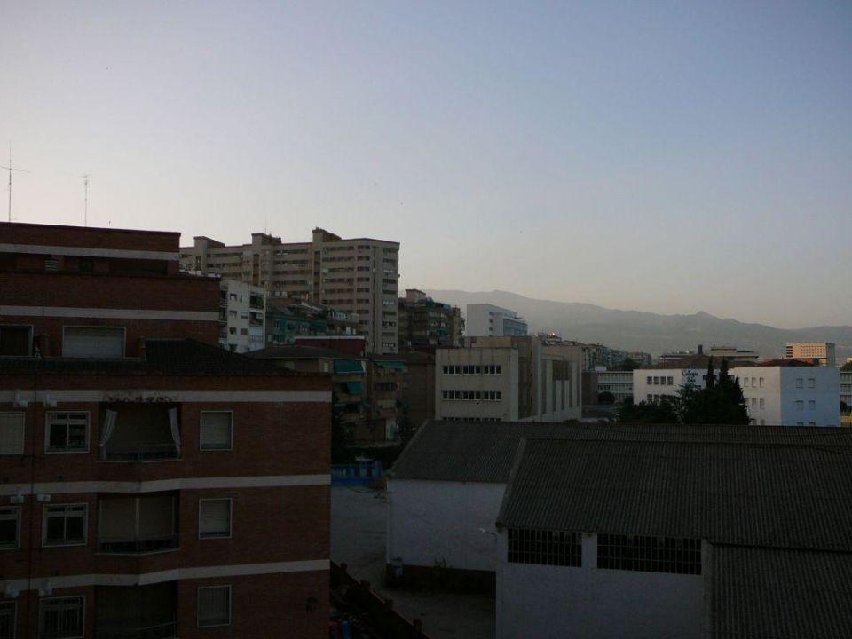 Widok z okna rankiem Sercotel Gran Hotel Luna de Granada