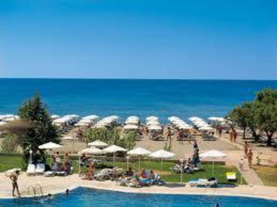 Strand im Oktober Hotel Costa Lindia Beach