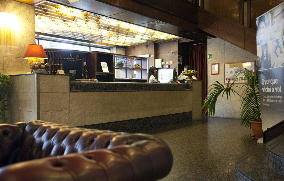 Rezeption Hotel ibis Styles Palermo