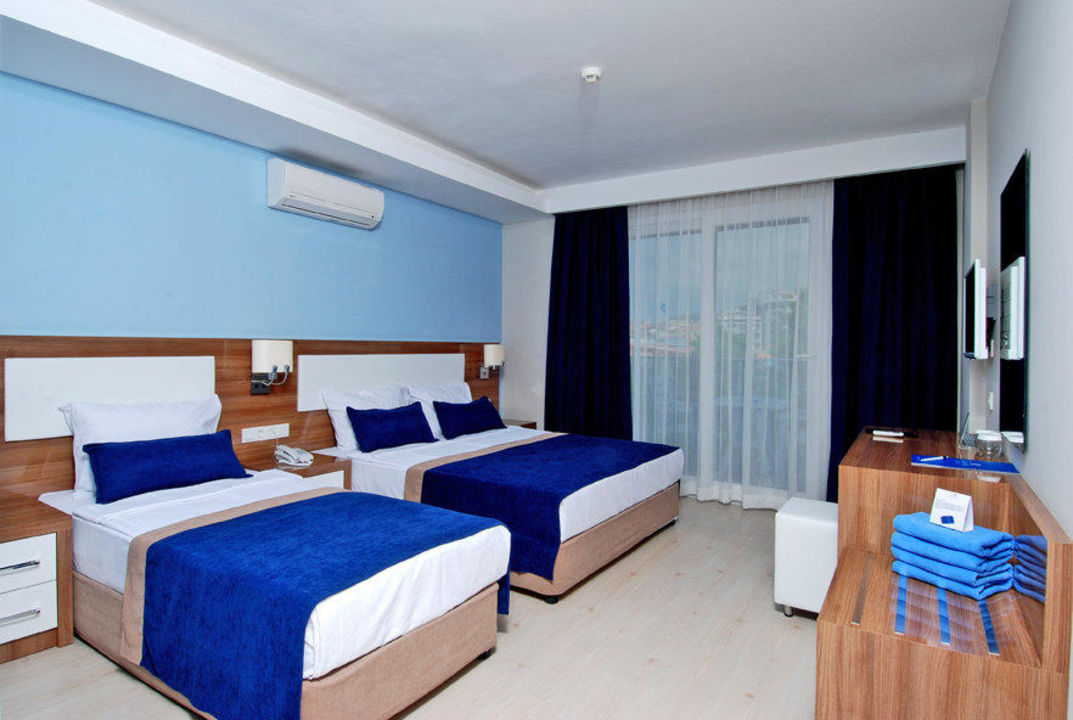 Bild tripple room zu kleopatra ramira hotel in alanya for H b bedrooms oldham