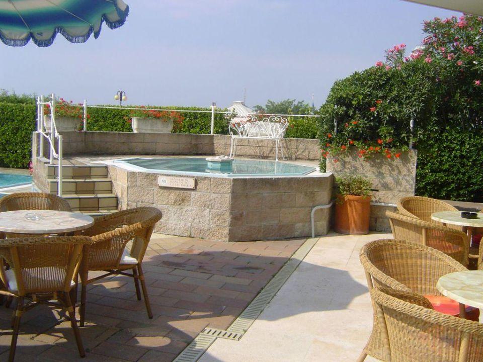 Terrasse Whirlpool Ruhl Beach Hotel Suites Jesolo