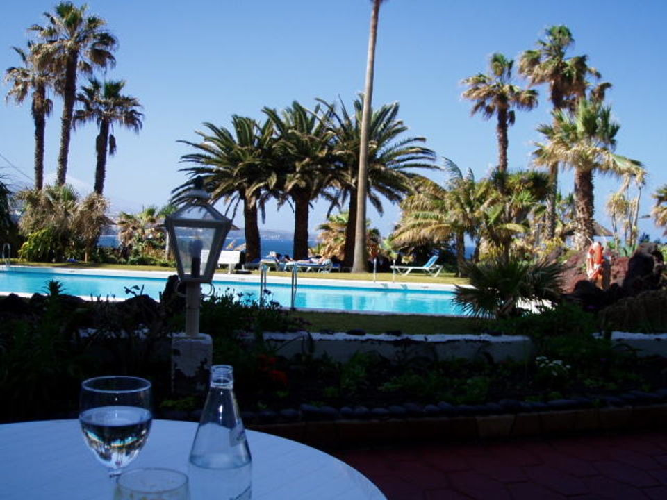 Terrasse vor dem Restaurant OCÉANO Hotel Health Spa