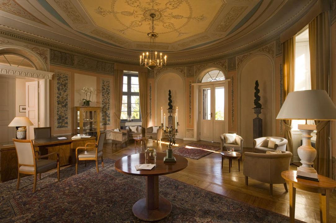 """Rezeption """"Garten-Salon"""" Relais & Châteaux Schlosshotel Burg Schlitz"""