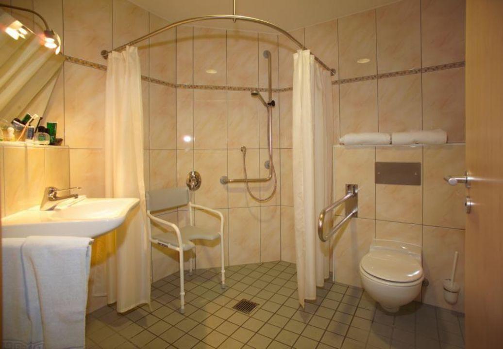 zimmerbeispiel dusche wc barrierefrei hotel witikohof haidm hle holidaycheck bayern. Black Bedroom Furniture Sets. Home Design Ideas