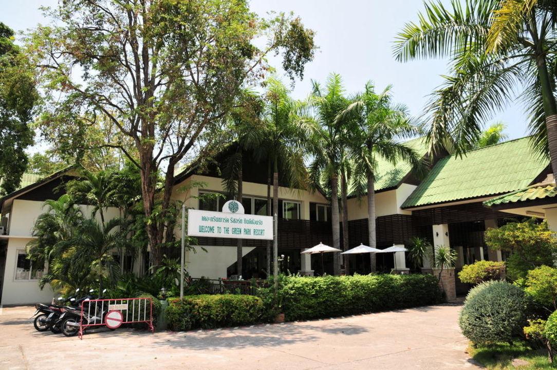 Hoteleingang The Green Park Resort